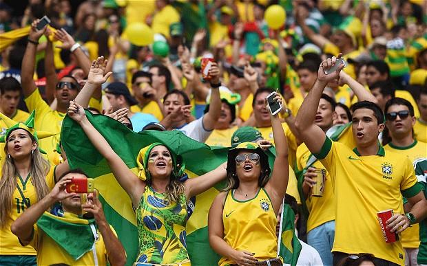 Brazil - Page 13 Brazil-fans-18060_2945856i